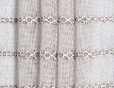 Тюль в полоску с вышивкой