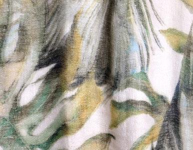 Тюль с ярким тропическим рисунком